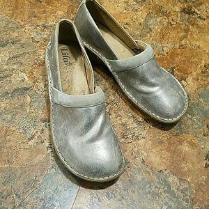 Lila Slip Resistant Shoes